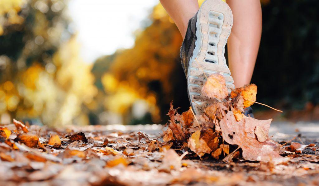 Jak się ubrać do biegania jesienią